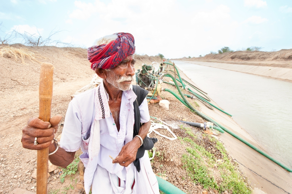 Irrigation in drought-hit Gujarat. Photo: Hamish John Appleby / IWMI